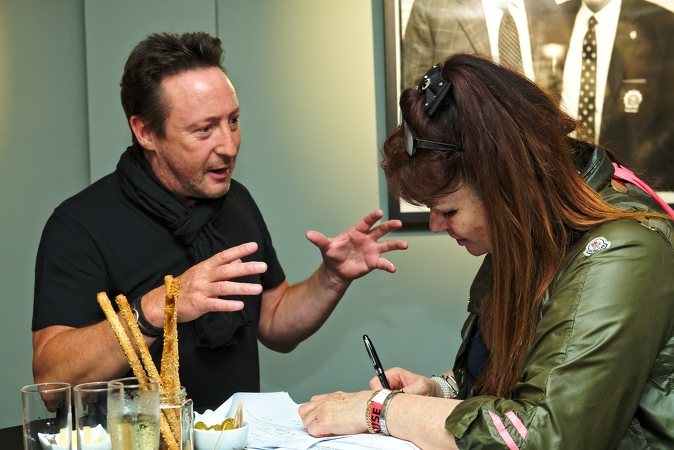 087-Julian-Lennon-Photo-House-02-06-2016
