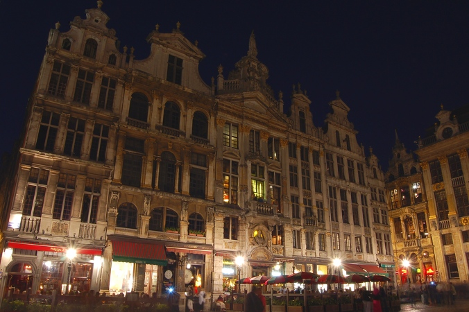2006-05-06--22 09 19 Brussels by night Luc Viatour