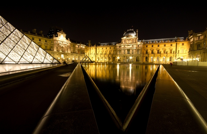 Le Louvre Paris By Night 3