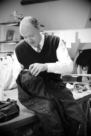 B33-Ronald-Holland-Tailor
