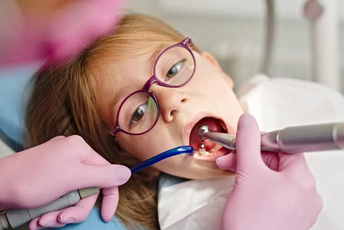 25-Dentiste-Pediatrique- Laurence-Watthe
